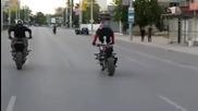 Ето заради такива мотористи, думата моторист става нарицателно за нещо лошо и нахално.