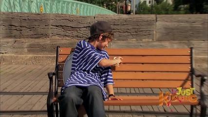 Park-bench-public-toilet-prank