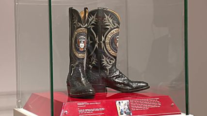 USA: Reagans' personal belongings go up for auction in NYC