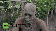 """Фестивалът на """"калните хора"""" във Филипините"""