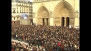 Забиха новите камбани на Парижката Света Богородица