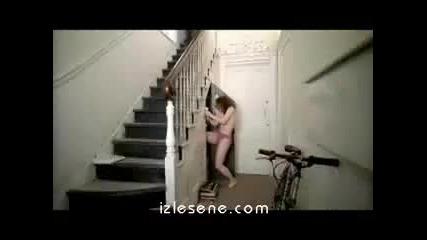 недейте излиза без ключ никъде!!! xd
