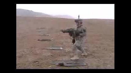 Стрелба С Две Леки Картечници М249