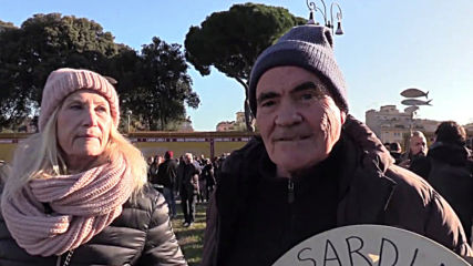 Italy: 'Sardine' protesters flood Rome for anti-Salvini rally