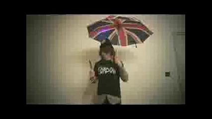 Joe Jonas Getting Ready For The UK (funny)