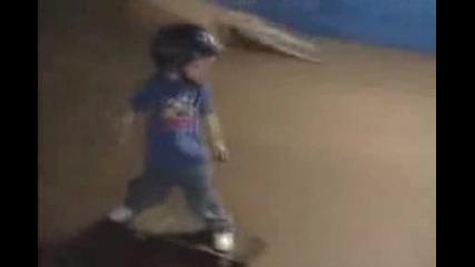 3 годишен скейтър!