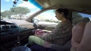 Жена ражда 4,5 кг. бебе, докато пътуват към болницата