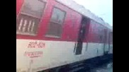 Braz vlak Bv 3621 pristiga na gara Karlovo s lokomotiv 06 poneje ima skasana kontaktna mreja mejdu K