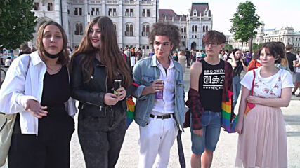 Hungary: Thousands rally outside parliament in opposition to anti-LGBTQ+ legislation