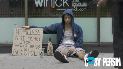 Бездомник баща и бездомник пристрастен съм дрога и алкохол- на кой дават пари хората/ експеримент/