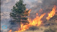 Hundreds Flee From Homes in Wildfire