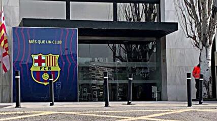 """Полиция щурмува офисите на """"Барселона"""""""