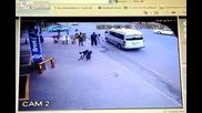 Така постъпват някой шофьори с неправилно пресичащи пешеходци