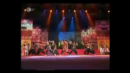 Youtube - Indian Dance - Medley - Bole Chudiyan