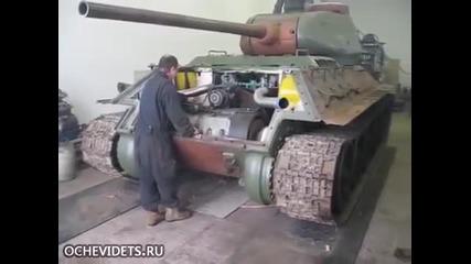 Механик успешно стартира запалването двигателя на легендарния руски танк Т- 34 !