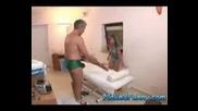 Възбуден масажист - Смях mpeg4