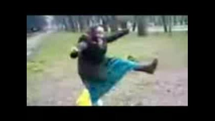 ненормално Бабе Танцува!