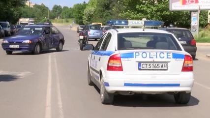Жена с мотор се заби в лек автомобил
