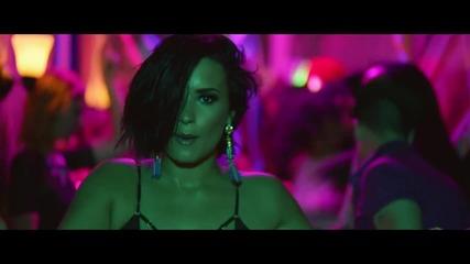Официално видео! Demi Lovato - Cool for the Summer