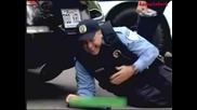 Полицаи се Бъзикат с Гражданите - Скрита Камера