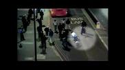 Черна тълпа напада в Тотнъм 2009