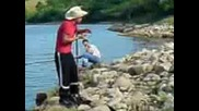Опасните риболовци от Киселово.3gp
