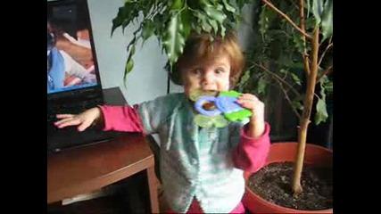 Veronika 1 Year Old - 2009y.wmv