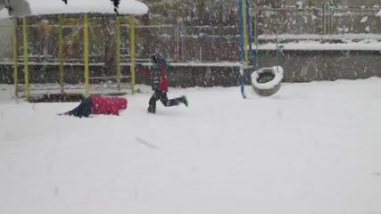 Снежните човечета - Вики и Мимо