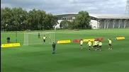 Дузпи в Манчестър Юнайтед: Европа срещу Южна Америка