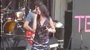 Selena Gomez - A Year Without Rain New Song - Live at Six Flags St. Louis 8222010