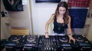 Dj Juicy M - Mixing on 4 Cdjs part 3
