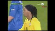 Ronaldinho Фантастичен Пасс!(brazil Vs Italy 10.02.2009)