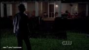 Деймън: Yo-hooo, има ли някой вкъщи? Има голям, лош вампир навън - Дневниците на Вампира 4x01