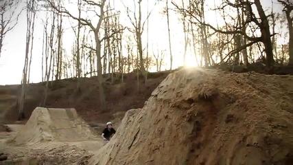 Невероятно каране на колело- Ryan Nangle 2011 Hd