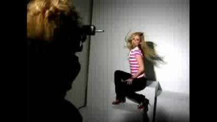 Avril Lavigne - Abbey Dawn Интервю