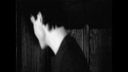 Караш ме да искам да умра //elena and Damon