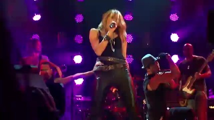 Miley Cyrus - Cant Be Tamed Live at House of Blues in L.a