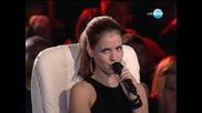 Всички участници пеят заедно на 18.10.2013 г.