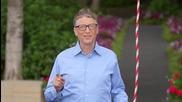 Бил Гейтс се залива със студена кофа вода Ice Bucket Challenge