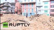 Непал: Разтревожените местни жители не спират да издирват близките си, Катманду