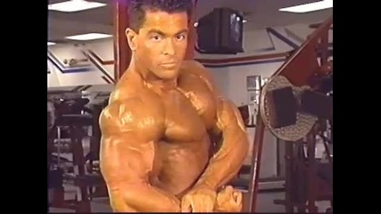 Bodybuilder Jose Morales interview, pumping, and posing (hq)