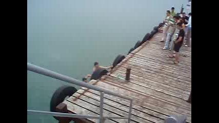 27 Май 2007 Г., 04:40:12 - Скок Във Вода