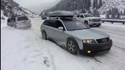 Audi Allroad изтегля закъсал джип от снега !