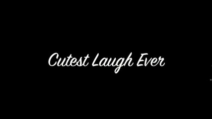 Суперския смях на Селена Гомез :)