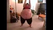 Дебели хора танцуват (смях)