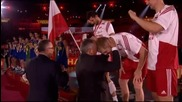 ВИДЕО: Поляците ликуват на почетната стълбичка