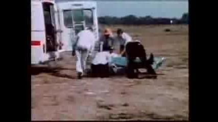 Репортер ударен от самолет