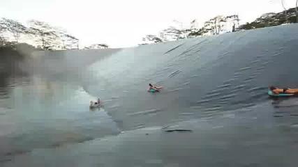 Много яка водна пързалка