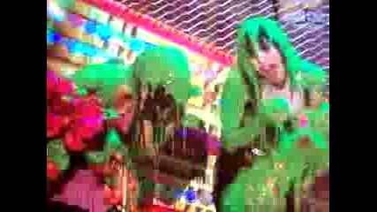 Zac Efron Sliming The Veronicas