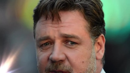 Russell Crowe Reveals Michael Jackson Prank Called Him for a Few Years!